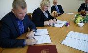 podpisanie umowy w sprawie LO
